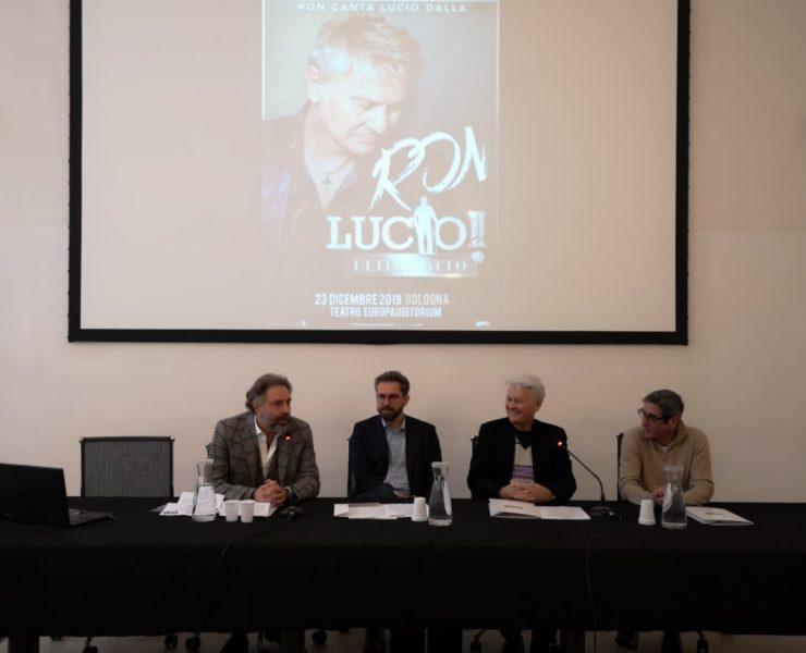 1. Foto conferenza stampa LUCIO