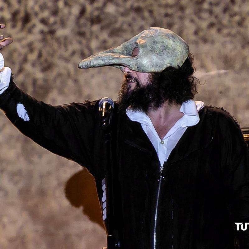 Vinicio.Capossela Tour.Ballate.per .uomini.e.bestie Teatro.Duse Bologna 2019 013