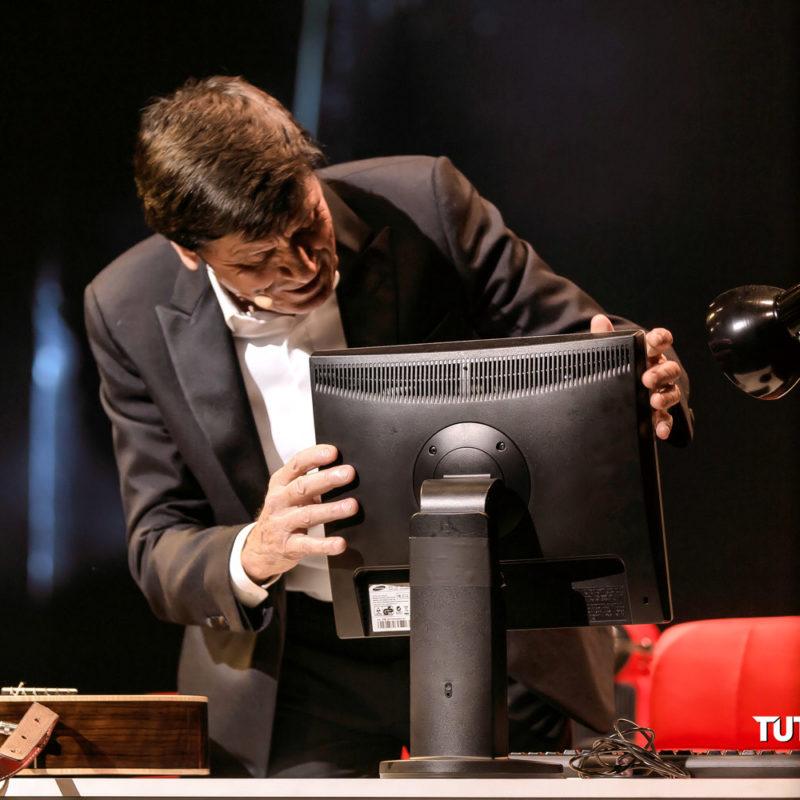 Gianni.Morandi Tour.Stasera.gioco .in .casa Teatro.Duse Bologna 2019 008