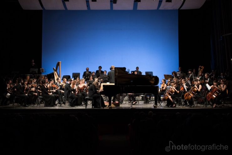 Sofya Gulyak Orchestra Senzaspine