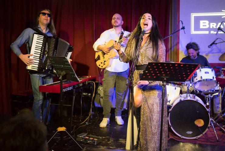 In foto da sinistra a destra Massimo Tagliata Andrea Dessì Mietta Roberto Rossi live al jazz club Bravo Caffè di Bologna. Crediti Foto Claudio Costanzo.